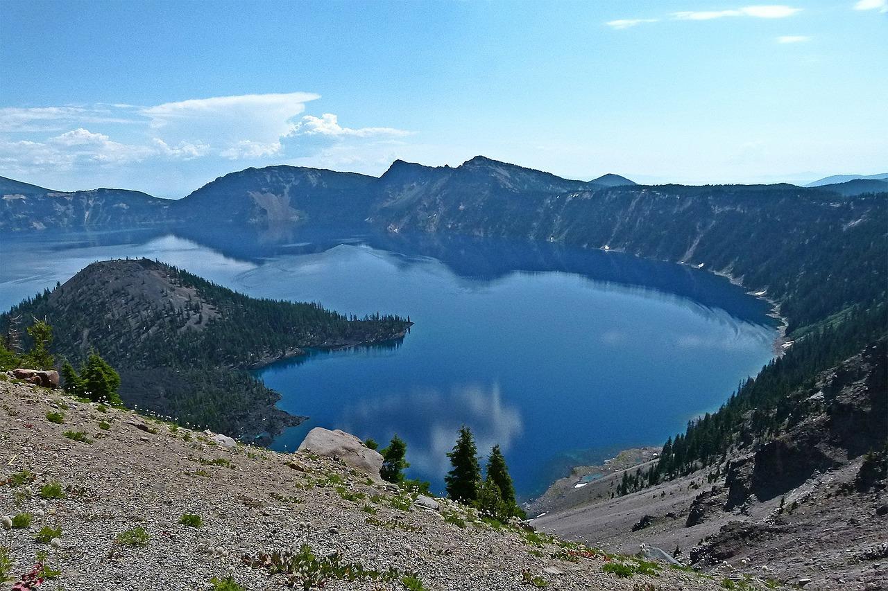 crater-lake-52871_1280